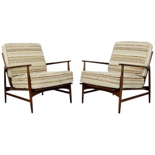 Mid-Century Modern Pair of Kofod-Larsen Selig Lounge Armchairs Denmark, 1960s For Sale