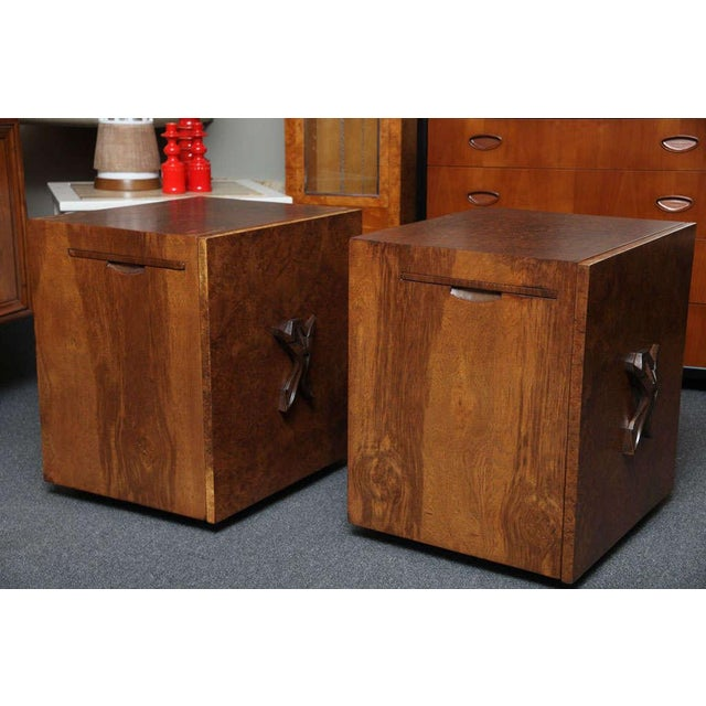 Hollywood Regency Romweber Mid-Century Modern Night Stands in Exotic Burl Late 1940s - a Pair For Sale - Image 3 of 11