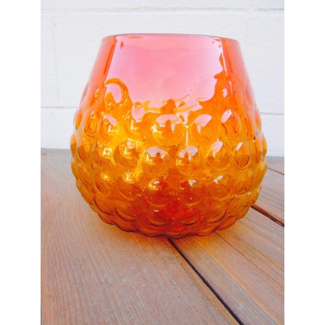 Blenko Bubble Glass Amberina Sandblasted Sig Vase - Image 9 of 11