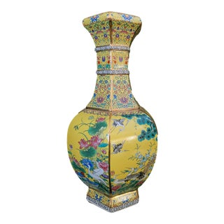 Chinoiserie Famille Jaune Hexagonal Shaped Vase For Sale