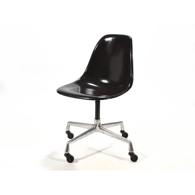 Herman Miller Eames PSC Fiberglass Side Chairs by Herman Miller, Set of 12 or More For Sale - Image 4 of 7