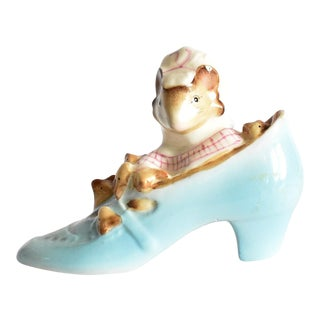 "1970s Beatrix Potter Beswick Figurine ""The Old Woman Who Lived in a Shoe"" For Sale"
