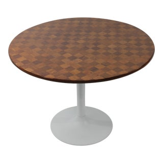 Mid-Century Modern Breakfast Table With Tulip Base For Sale
