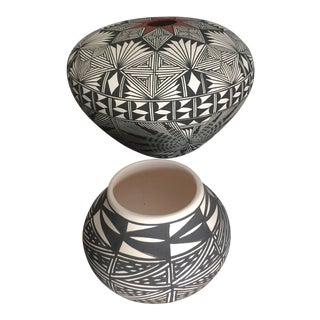1960s Native American Style Acoma Pottery Vases - A Pair For Sale