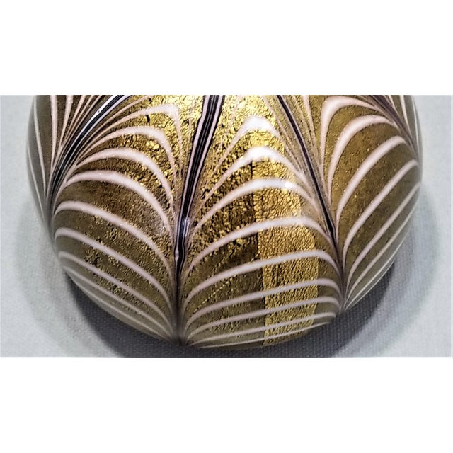 1950s Murano Glass Gold White and Black Fenicio Paperweight - Italy Mid Century Modern Minimalist Palm Beach Boho Chic Italian Venetian Sommerso For Sale - Image 10 of 13