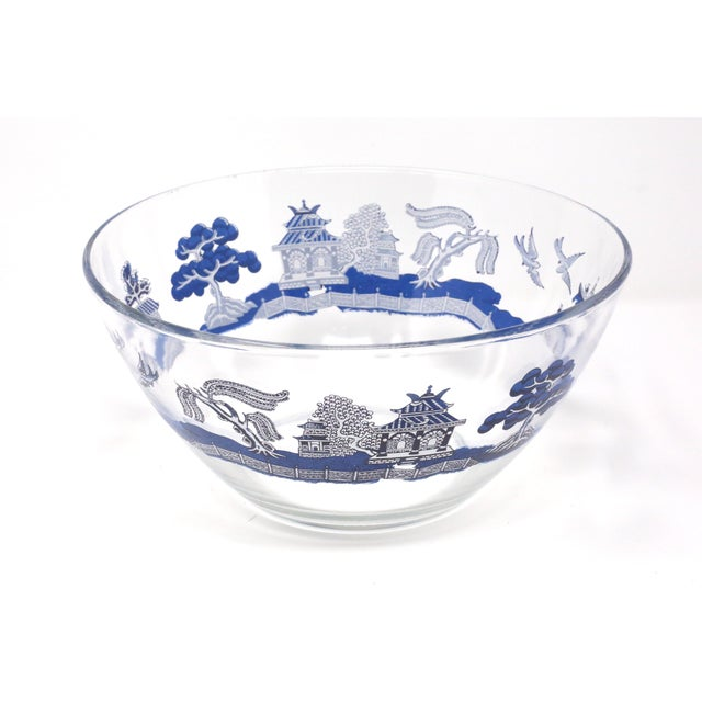 "Asian Vintage ""Blue Willow"" Glass Serving Bowl by Johnson Brothers For Sale - Image 3 of 10"