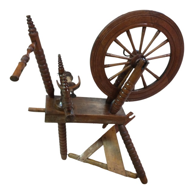 19th Century Wooden Spinning Wheel For Sale