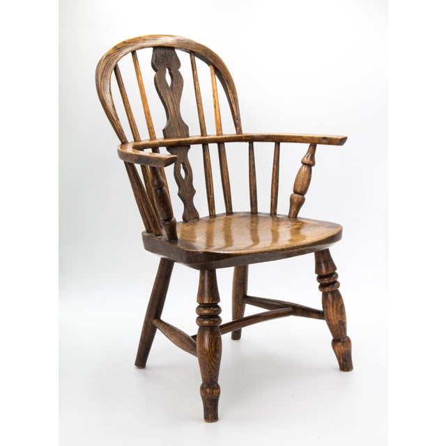 Children's Antique 19th-Century English Windsor Child's Chair For Sale - Image 3 of 7