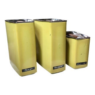Mid 20th Century Avocado Green Lincoln Beautyware Kitchen Canisters - Set of 3 For Sale