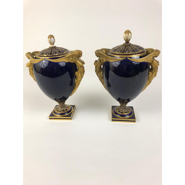 Mid 19th Century English Kerr & Binns Blue and Gilt Fine Bone China Pomander Urns - a Pair For Sale In San Francisco - Image 6 of 6