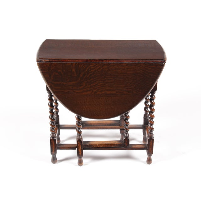 English Traditional 1920s William and Mary Gateleg Table For Sale - Image 3 of 5