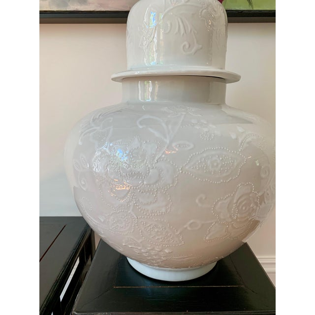 Chinoiserie Large White Ginger Jar For Sale - Image 4 of 5