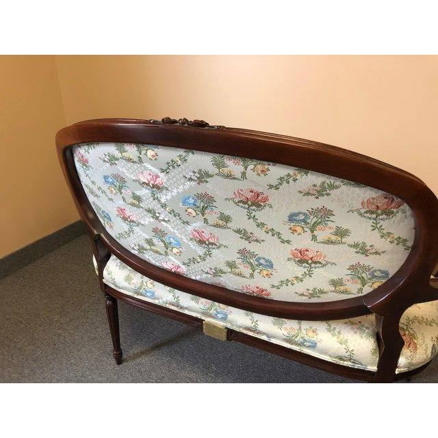 Traditional 1990s Vintage Henredon Classic Fruitwood Loveseat For Sale - Image 3 of 12