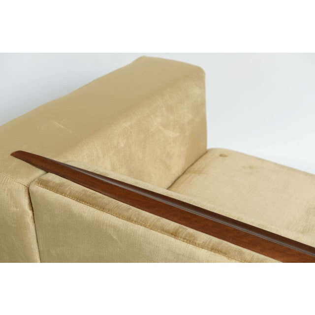 Beautiful Saccaro Velvet Love Seat With Walnut Trim, 21st Century For Sale - Image 9 of 10
