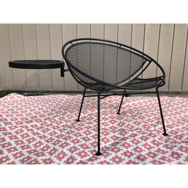 Mid-Century Modern 1950s Salterini Tempestini Radar Space Age MCM Mid-Century Modern Wrought Iron Lounge Patio Chairs With Tray Set #4 - a Pair For Sale - Image 3 of 13