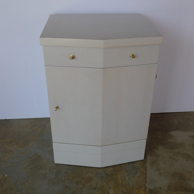Paul Marra Customizable Paul Marra Pinnacle Nightstand in Gray Wash Over Douglas Fir For Sale - Image 4 of 9