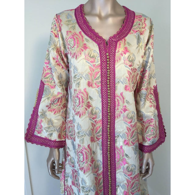 Elegant vintage designer Moroccan kaftan, floral brocade embroidered with hot pink and gold trim. This chic Gypsy Bohemian...