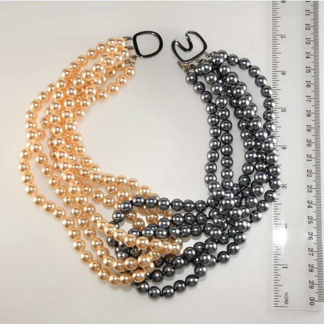 Abstract Kenneth Jay Lane Necklace Cream and Gray Entwined Faux Pearls For Sale - Image 3 of 5