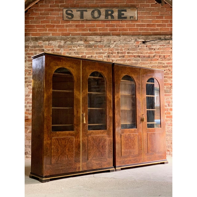 1920s Tomaso Buzzi Burr Walnut Display Cabinets Bookcases, Italy, circa 1929 - A Pair For Sale - Image 5 of 12