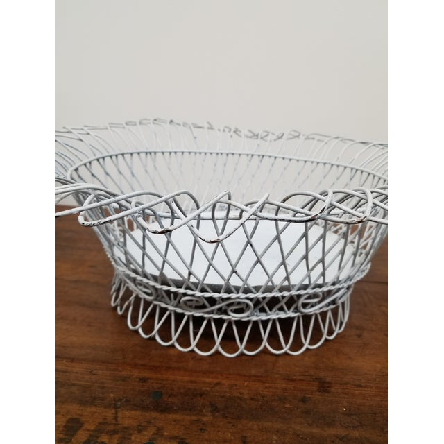 1950s French Style White Oval Wireware Cachepot With Liner For Sale - Image 4 of 5