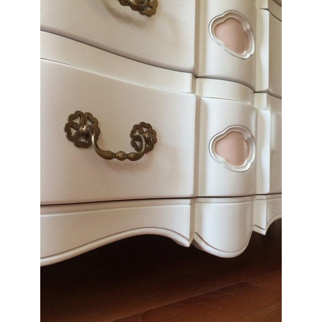 Two Tone French Provincial Mid Century Dresser - Image 8 of 8
