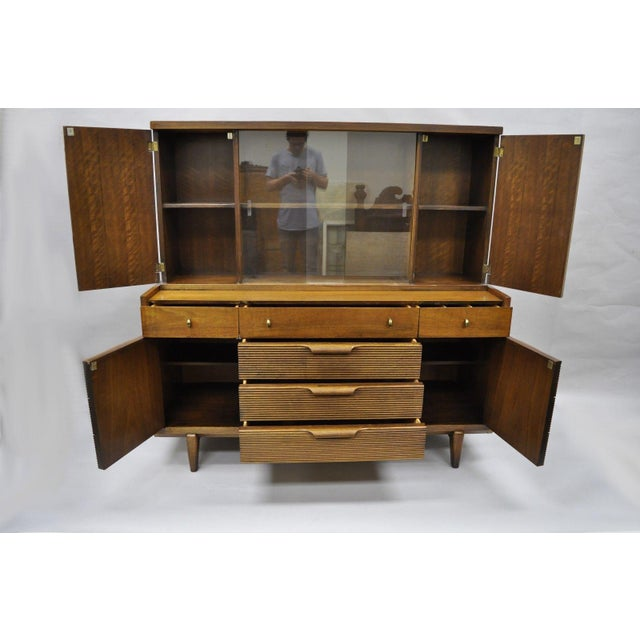 Item: Vintage Mid Century Modern Walnut China Cabinet Hutch by Century Details: 2 part construction beautiful wood grain,...