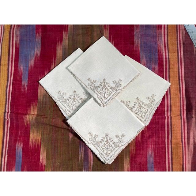 Vintage Ivory Linen Embroidered Cocktail Napkins- Set of 4 For Sale - Image 4 of 4