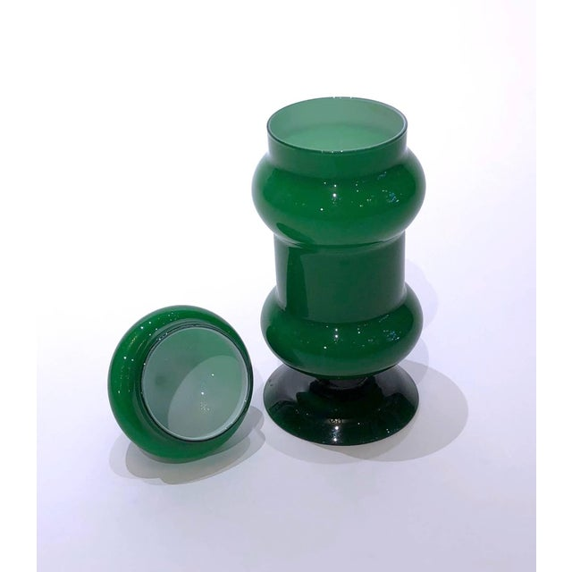 Modern Vintage Emerald Green Glass Vase With Lid For Sale - Image 3 of 4