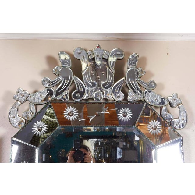 Hollywood Regency Extra Large 1940s Italian Hollywood Regency Venetian Mirror With Elaborate Etching For Sale - Image 3 of 8
