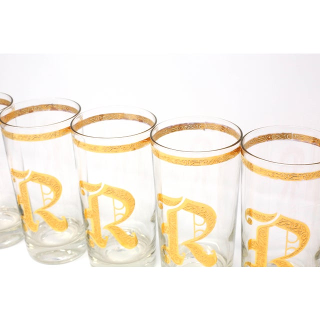 "Glass Vintage Gold Gilt ""R"" Glasses - Set of 8 For Sale - Image 7 of 13"