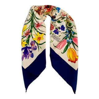 "1970s Gucci ""Flora"" Scarf With Blue Border For Sale"