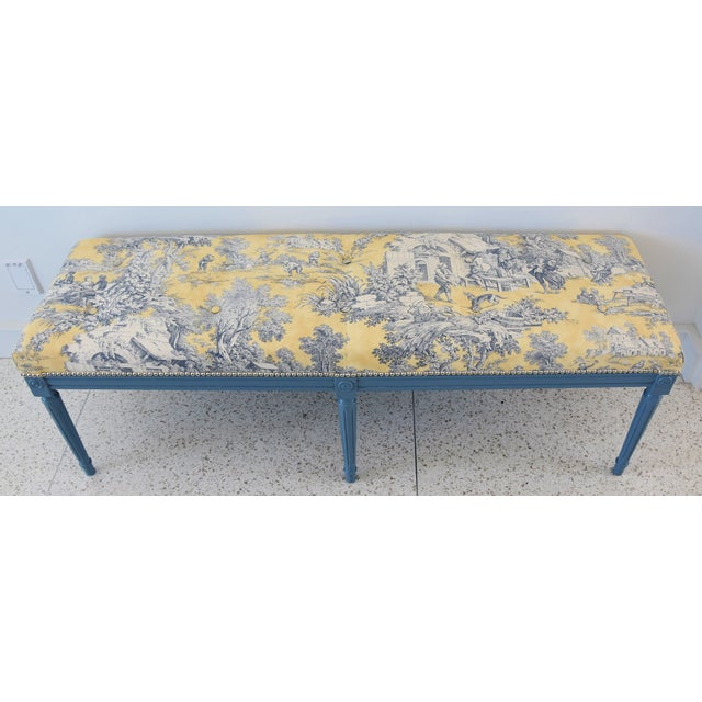 French-Style Yellow, White & Blue-Gray Toile Bench For Sale In Los Angeles - Image 6 of 13