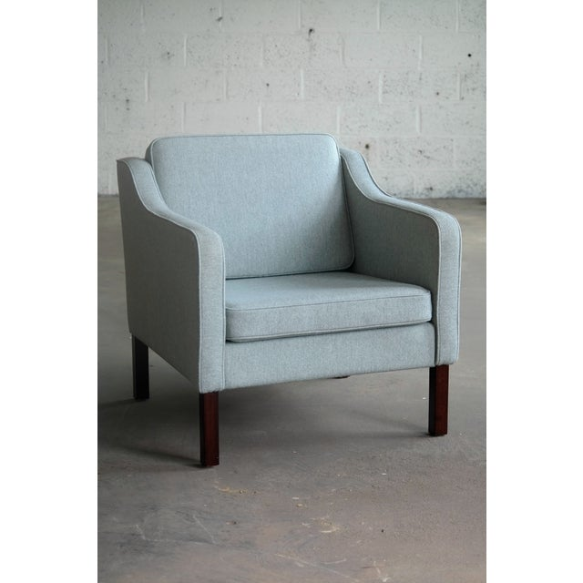 Børge Mogensen Model 2421 Style Danish Lounge Chairs in Cornflower Blue Wool For Sale - Image 4 of 13