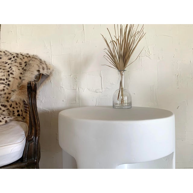 Mid-Century Modern Sano Round Detailed Plaster Accent Table For Sale - Image 3 of 4
