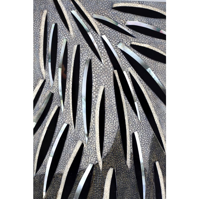 Art Deco Feather Pattern Mirror in Shagreen and Pen Shell by Kifu Paris For Sale - Image 3 of 5