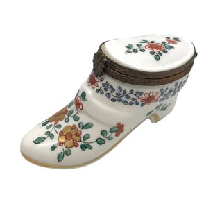 Porcelain Pump Trinket Box For Sale