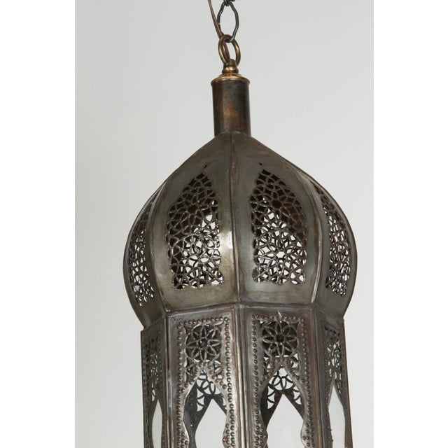 Mid 20th Century Large Pair of Metal and Clear Glass Moorish Moroccan Light Pendants For Sale - Image 5 of 7