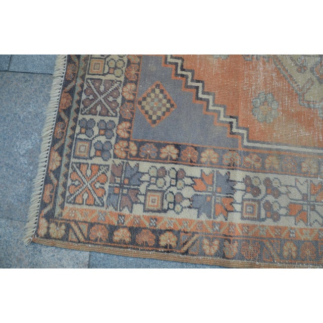 Anatolian Vintage Turkish Rug - 3′10″ × 6′9″ For Sale In Austin - Image 6 of 6