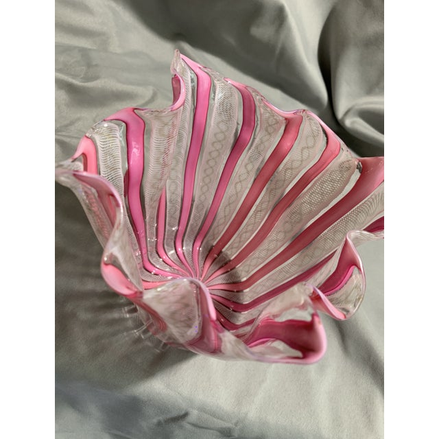 """Hollywood Regency 1950s Vintage """"Fazzoletto"""" Fulvio Bianconi Hand Blown Handkerchief Glass Vase For Sale - Image 3 of 13"""