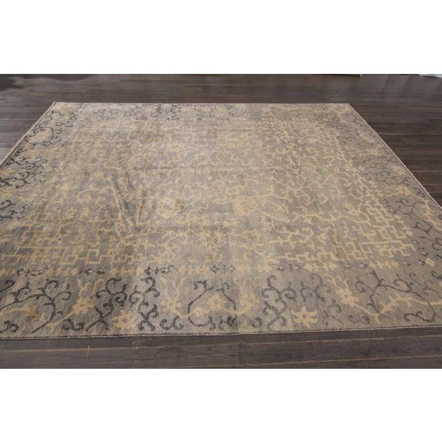 "Textile Apadana Modern Rug - 7'11"" x 10'2"" For Sale - Image 7 of 7"