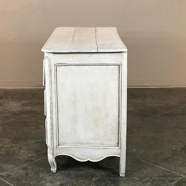 18th Century Country French Provincial Painted Commode For Sale In Dallas - Image 6 of 11