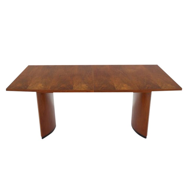 70ddf39cc208 Very Nice Mid-Century Modern Walnut Dining Table with Two Extension Leaves  For Sale