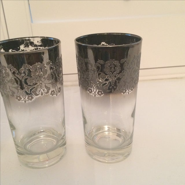 Dorothy Thorpe Ombré Embossed Glasses - Set of 4 For Sale In Sacramento - Image 6 of 8