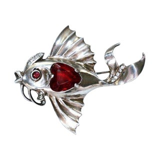 C.1930's Sterling Silver Jeweled Fish Brooch For Sale