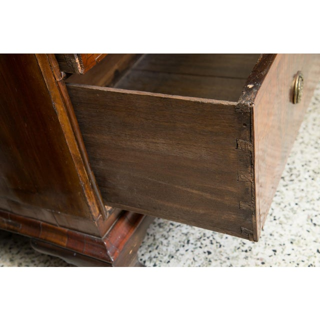 Late 18th Century Chest on chest For Sale - Image 5 of 11