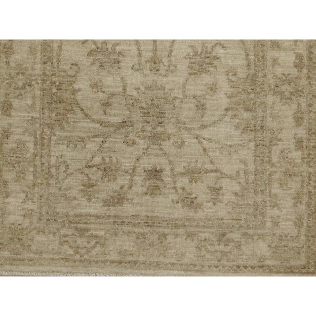 "Pakistan Neutral Floral Pattern Rug - 2'10""x 4'5"" For Sale - Image 4 of 6"