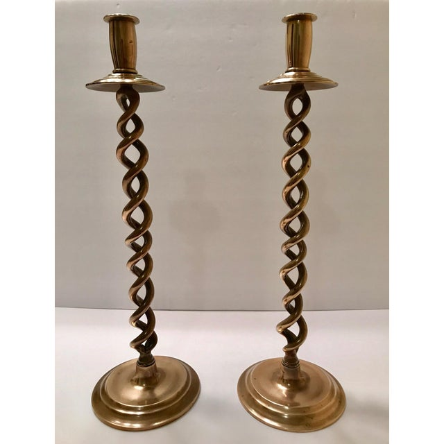 Americana Pair of Elegant Victorian Tall Candle Holders in Braided Brass Metal For Sale - Image 3 of 12