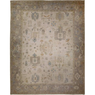 Oushak Hand-Knotted Luxury Rug - 9′ × 12′ For Sale
