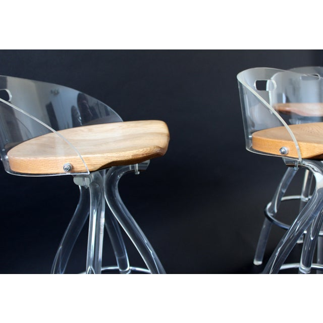 1970s Mid Century Modern Hill Mfg Lucite Wood Saddle Seat Bar Stools- Set of 3 For Sale - Image 5 of 7