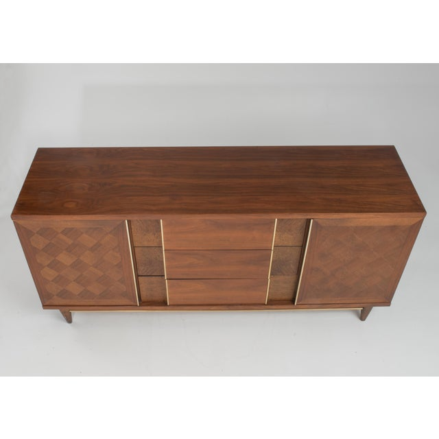"Vintage Witz ""The Basic Line"" Furniture Mid Century Marquetry Burl Walnut Brass Dresser 1960s For Sale In Philadelphia - Image 6 of 12"